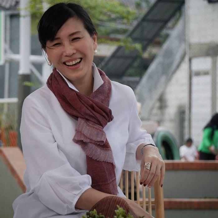 Gaya makeup simpel Veronica Tan, mantan istri Ahok
