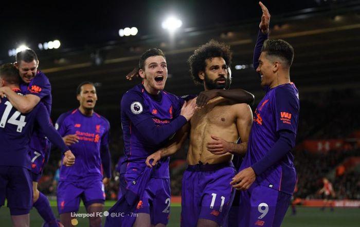 Penyerang Liverpool Mohamed Salah, merayakan gol dalam laga pekan ke-33 Liga Inggris kontra Southampton di St Mary's Stadium, Sabtu (6/4/2019) dini hari WIB.