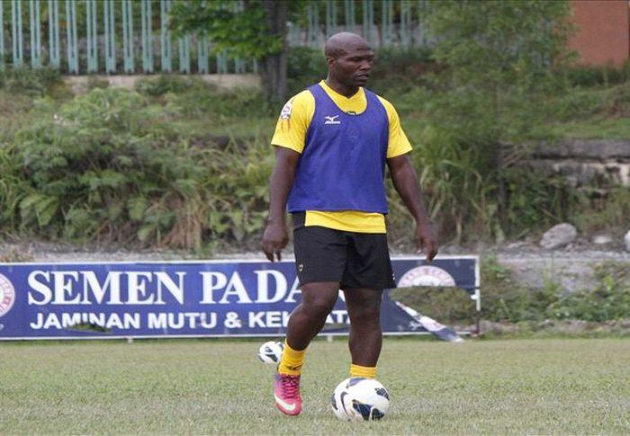Pemain naturalisasi asal Kamerun, Bruno Casmir, selangkah lagi bergabung bersama Sriwijaya FC