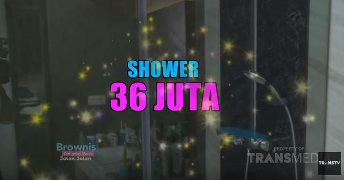 Shower seharga Rp 36 juta di dalam kamar mandi di rumah Nikita Mirzain