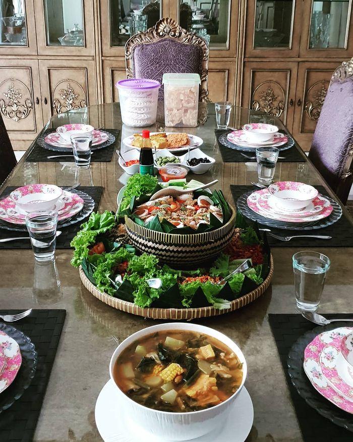 Menu makan siang Mayangsari
