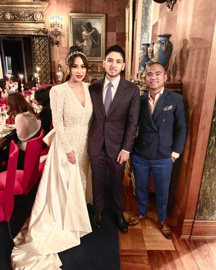 Frank Hutapea menjadi salah satu undangan di resepsi pernikahan Adit dan Kezia