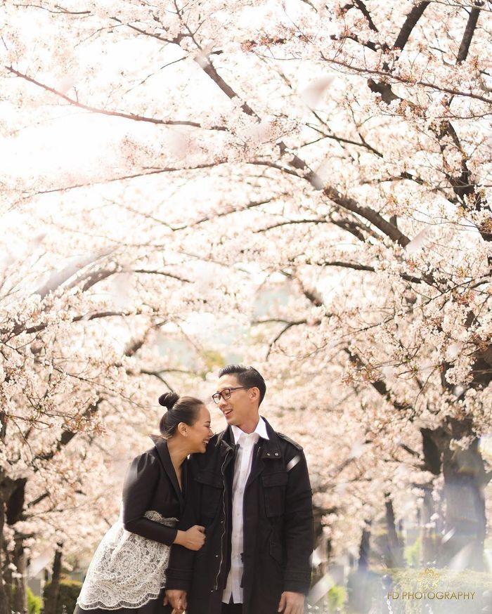Yuanita Christiani mengaku sangat bersemangat menikmati momen liburan bersama suami di Jepang
