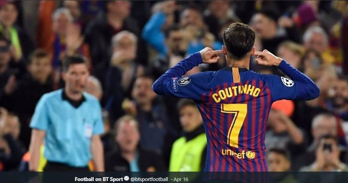 Gelandang FC Barcelona, Philippe Coutinho, melakukan selebrasi gol dalam laga perempat final Liga Champions kontra Manchester United di Stadion Camp Nou, 16 April 2019.