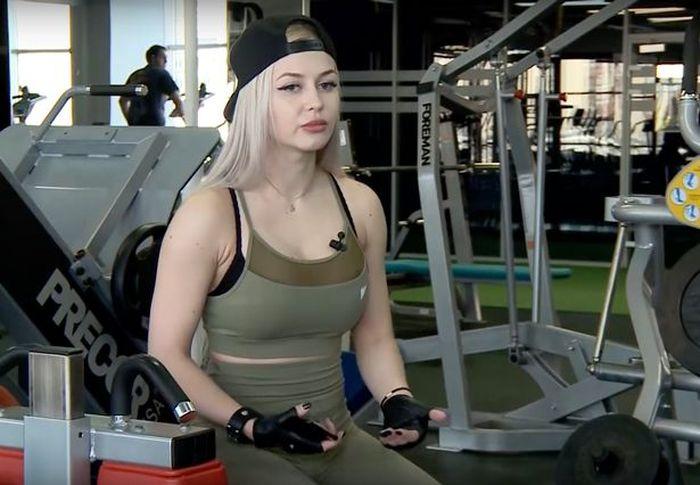 Anna Khramtsova, ketika sedang berada di Gym.