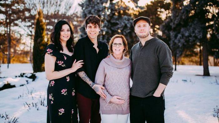 Adik Elliot, Matthew, Cecile dan Elliot
