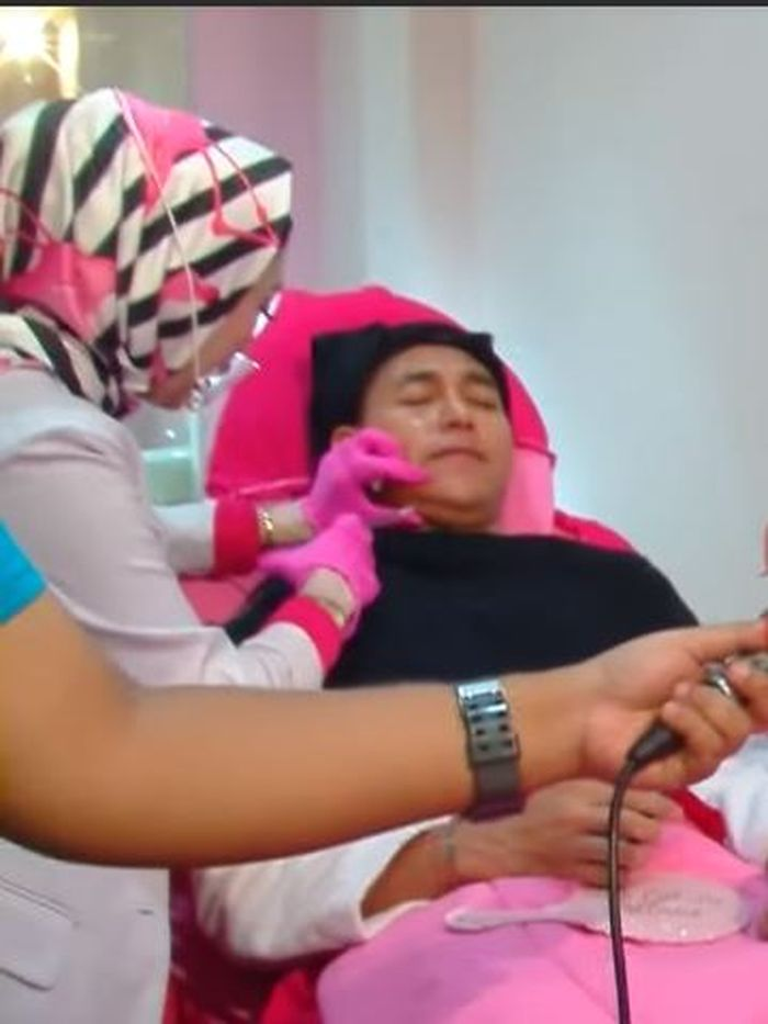 Krisjiana Baharudin kala menjalani treatment suntik lemak