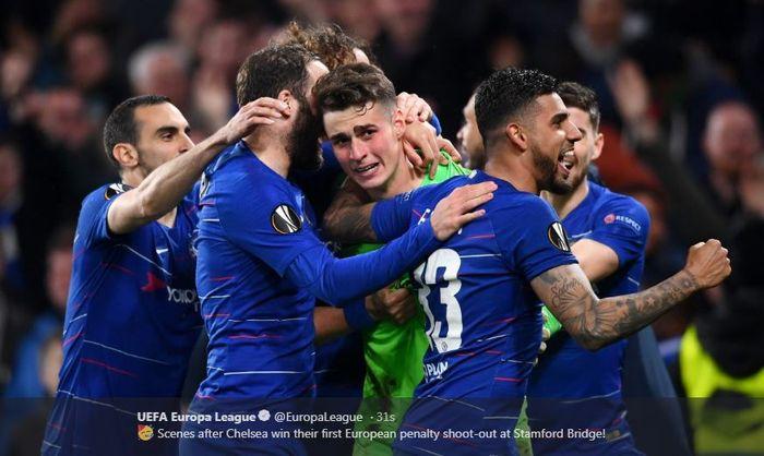 Para pemain Chelsea melakukan selebrasi usai mengalahkan Eintracht Frankfurt dalam laga leg kedua semifinal Liga Europa di Stadion Stamford Bridge, Kamis (9/5/2019).