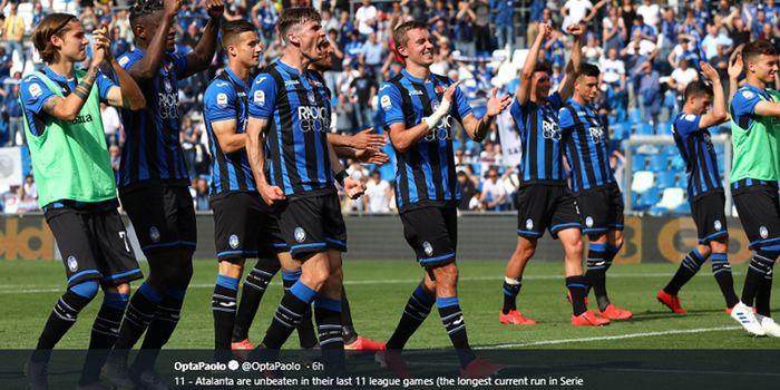 Pemain Atalanta merayakan kemenangan mereka atas Genoa pada pertandingan pekan ke-36 Liga Italia 2018-2019 di Stadion Mapei, 11 Mei 2019.