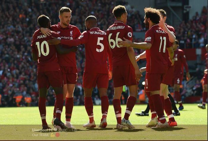 Para pemain Liverpool merayakan kemenangan 2-0 atas Wolverhampton Wanderers pada pekan ke-38 Liga Inggris di Stadion Anfield, 12 Mei 2019.