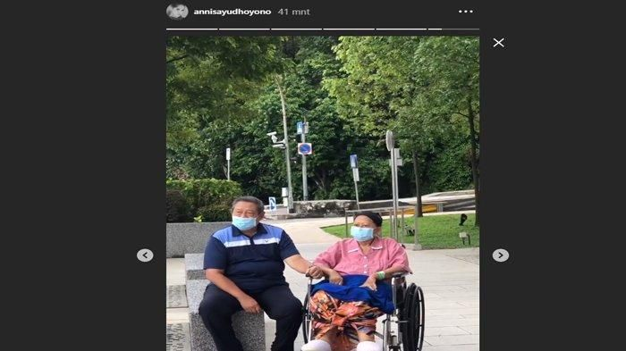Ani Yudhoyono diizinkan jalan-jalan keluar ruang perawatan bareng SBY, Kamis (16/5/2019). (Instagram Annisa Pohan)