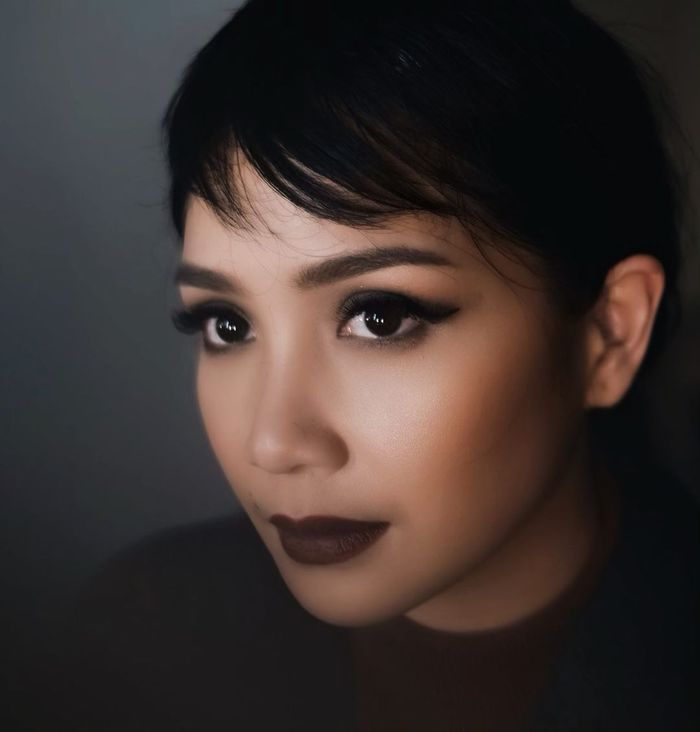 Nagita Slavina tampil beda dengan gaya makeup yang bold hingga dibilang mirip Audrey Hepburn dan Yuni Shara