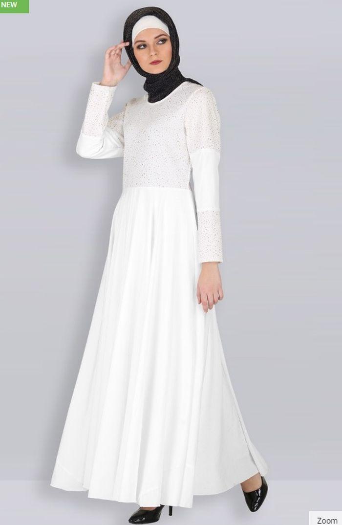 5 Model Baju Sholat Idul Fitri dengan Nuansa Putih yang