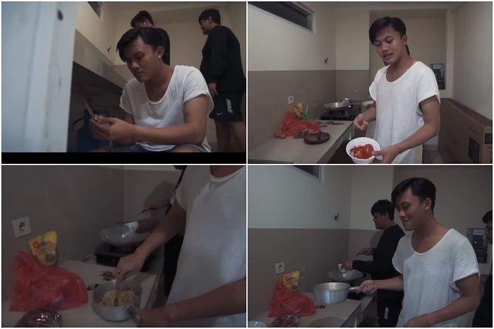 Rizky Febian dan rekan-rekanya menyiapkan makanan untuk berbuka puasa