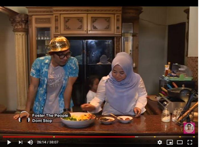 Tangkap Layar: Dapur dalam rumah mewah Muzdalifah