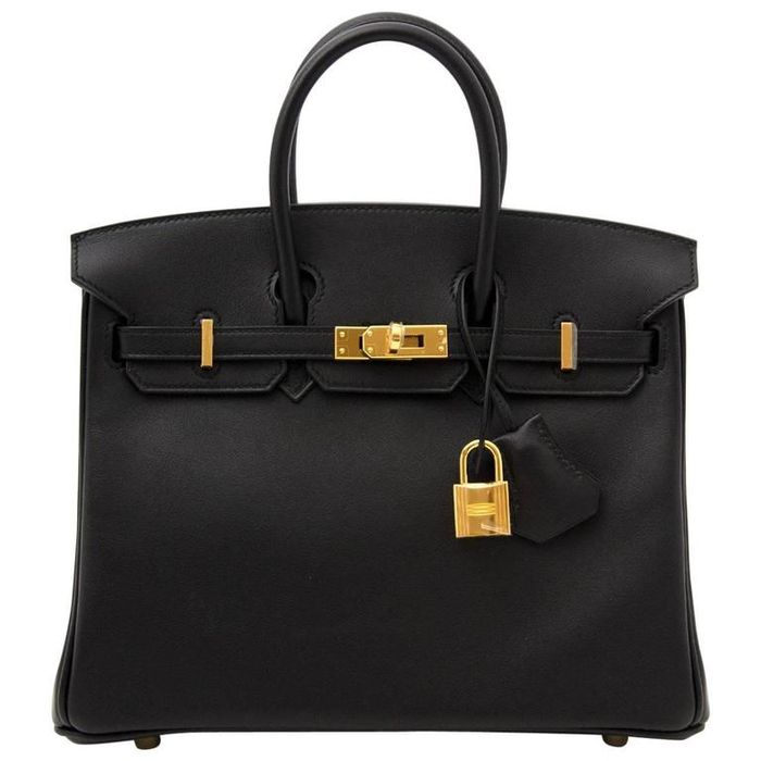 Tas Hermes milik Bunga Zainal