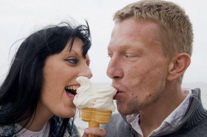 Katie dan Jon hidup dengan bahagia dengan cinta