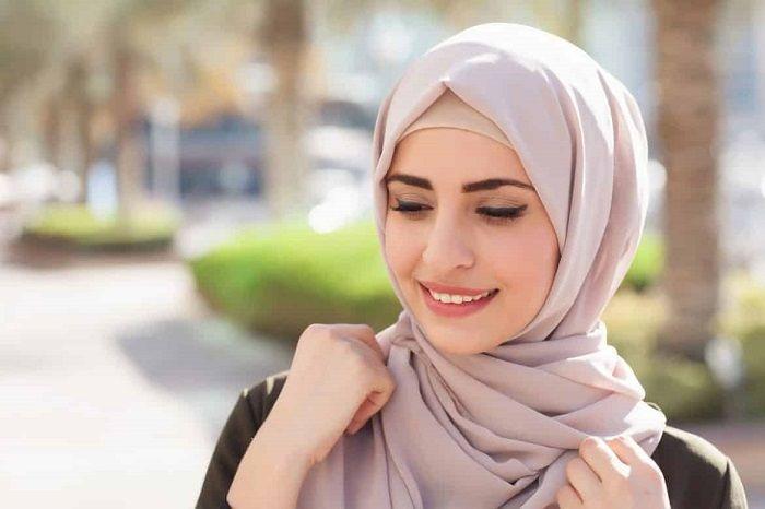 Warna hijab untuk kulit putih