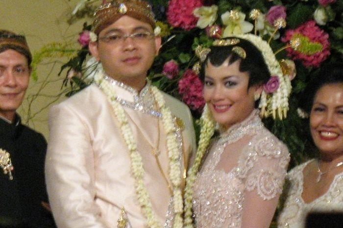 Pernikahan Lulu dan Danny, 2006.
