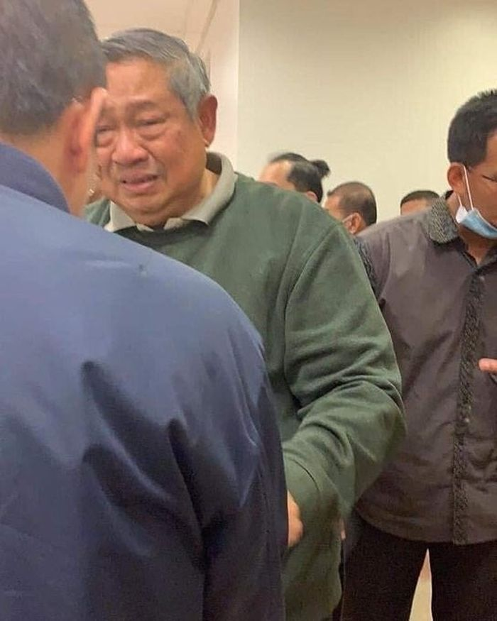 Foto Susilo Bambang Yudhoyono yang membuat netizen ikut terharu.