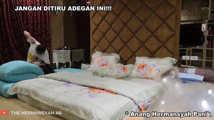 Anang Hermansyah memukul Aurel karena kaget.
