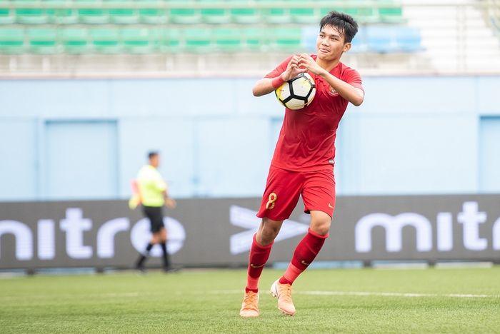 Winger Timnas U-23  Indonesia, Witan Sulaiman melakukan selebrasi saat berhasil mencetak gol ke gawang Thailand di Piala Merlion 2019.