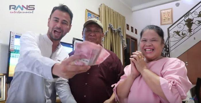Raffi Ahmad berikan THR untuk orangtua Olga Syahputra