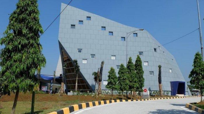 Tampak luar Masjid Al Safar yang merupakan karya Ridwan Kamil bersama firma arsiteknya Urbane Indonesia. Masjid itu masuk ke nominasi Abdullatif Al Fozan Award