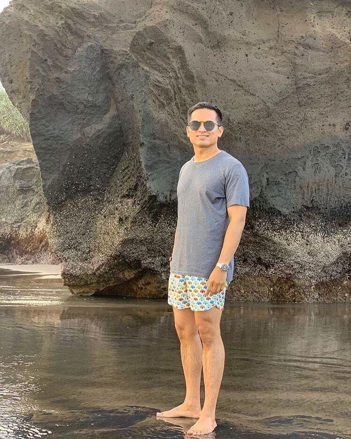 Foto Faisal Nasimuddin yang diambil oleh Luna Maya