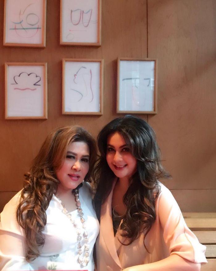 Diana Pungky dan Yuvita Supit