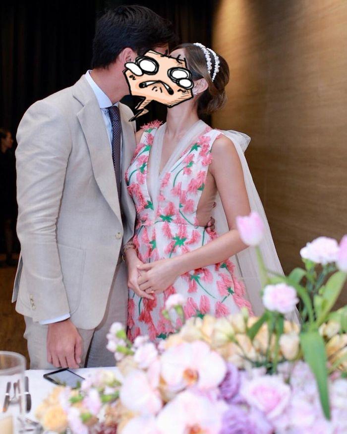 Jessica Iskandar dan Richard Kyle berpose mesra di acara pertunangan mereka