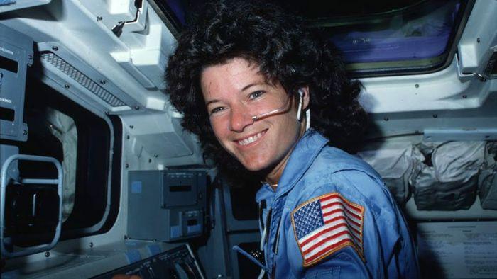 Mengenal Sally Ride, Astronaut Perempuan AS Pertama yang Pergi ke Luar  Angkasa - Semua Halaman - National Geographic