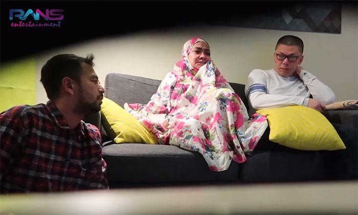 Ekspresi Raffi Ahmad dan Mama Rieta yang marah besar