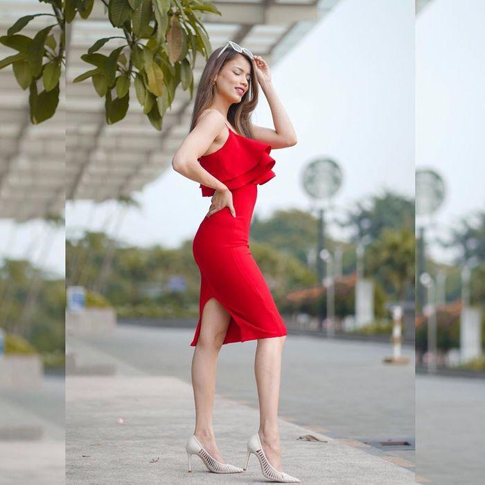 Tampilan Modis Sabrina Chairunnisa dengan Dress Merah yang Stunning