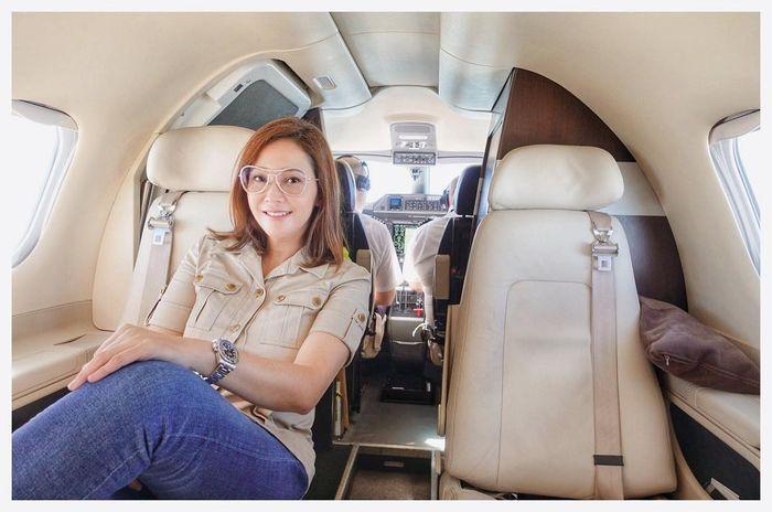 Maia Estianty naik Jet Pribadi.