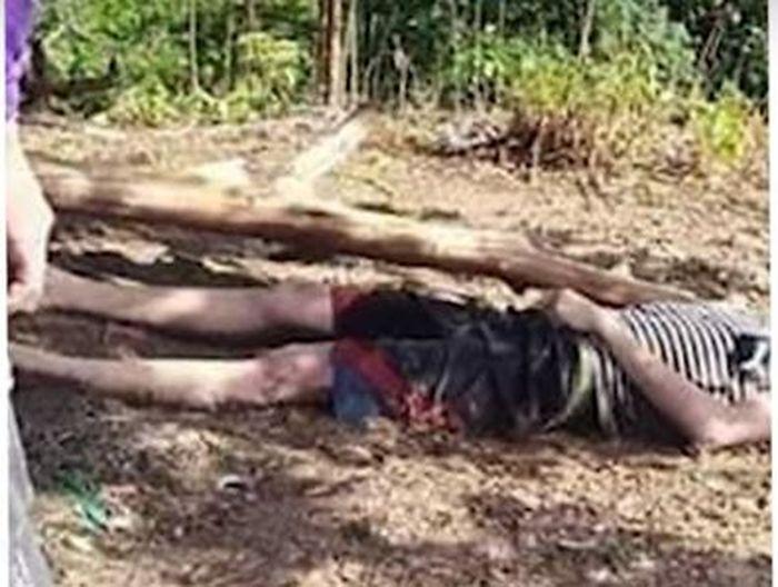 Dua remaja tewas tersambar petir saat sedang asik bermain <a href='https://makassar.tribunnews.com/tag/game' title='game'>game</a> Mobile Legend di bawah pohon