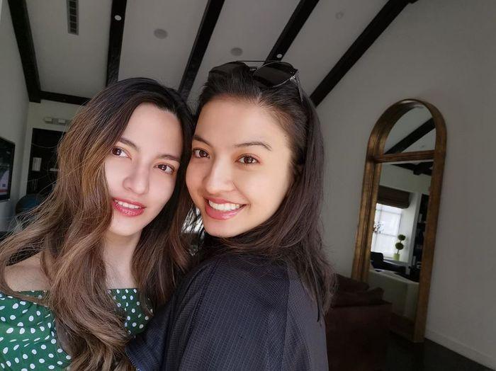 Bak Bidadari, Lihat Tampilan Nia Ramadhani dan Raline Shah Saat Foto Bareng, Netizen: Cantiknya Gak KW!