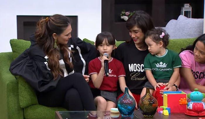 Luna Maya dan keluarga Ussy-Andhika