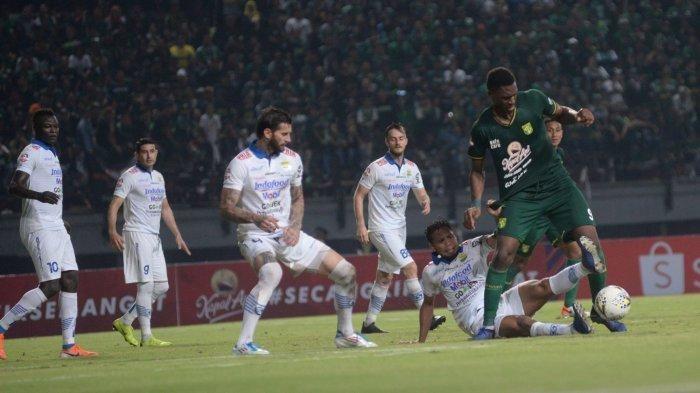 Amido Balde, sosok menakutkan bagi pertahanan Persib Bandung pada laga lanjutan Liga 1 2019 di Stadion Gelora Bung Tomo, Jumat (5/7/2019).