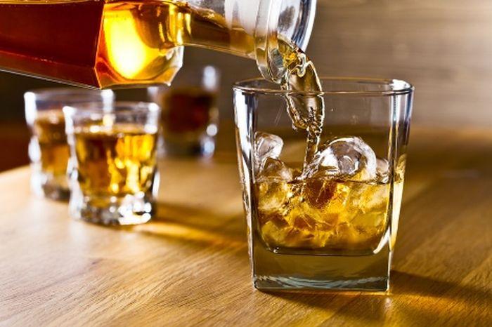Ilustrasi alkohol