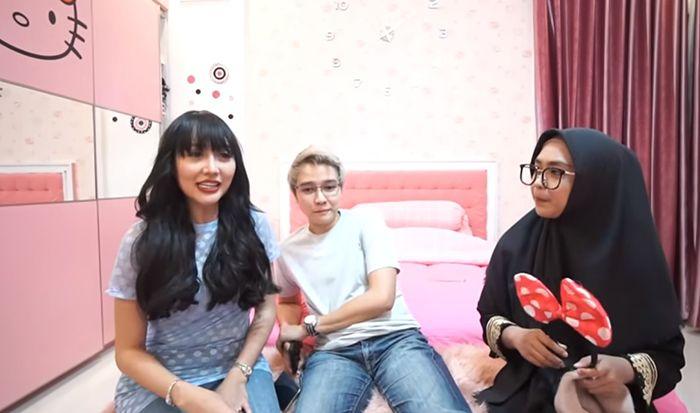 Saat Lucinta Luna dan Abash diwawancarai Ria Ricis (YouTube/ricisofficial)