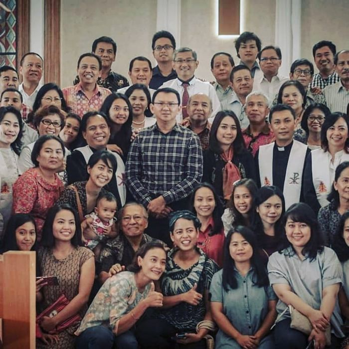 Dikabarkan Telah Jadi Istri Ahok, Tampilan Terbaru Bripda Puput Saat ke Gereja Jadi Sorotan