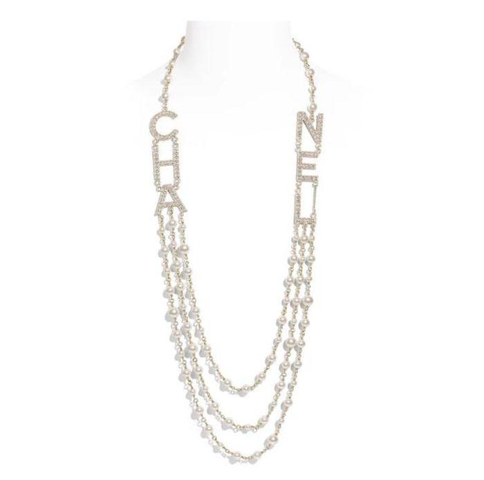 Chanel Metal, Glass Pearls & Strass Long Necklace yang dipakai Syahrini