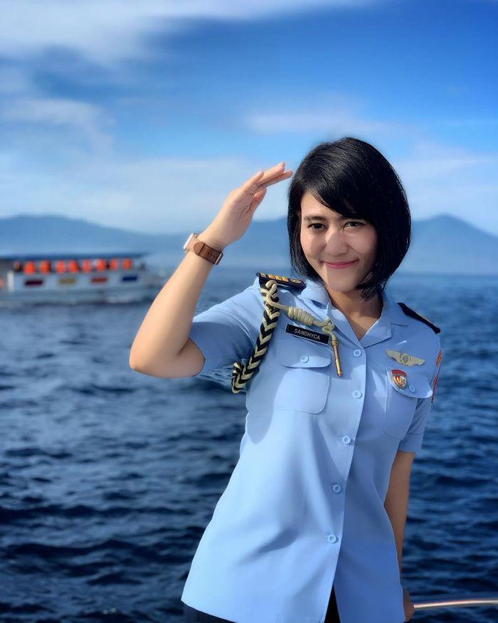 Sandhyca Putri saat mengenakan seragam TNI Angkatan Udara