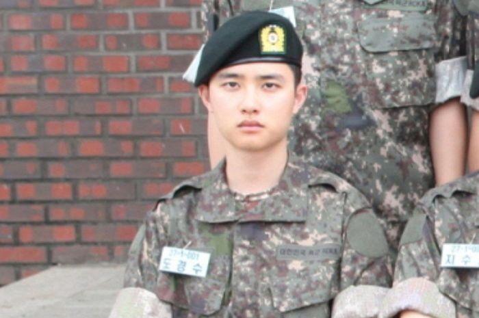 D.O EXO saat menjalani wajib militer.
