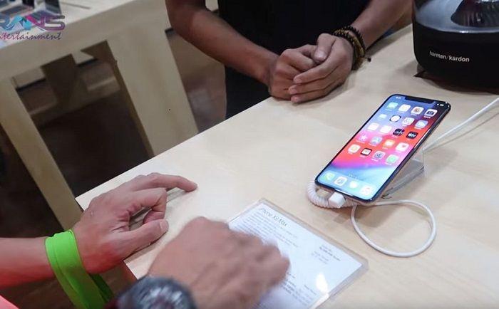 Raffi Ahmad belikan asistennya ponsel baru