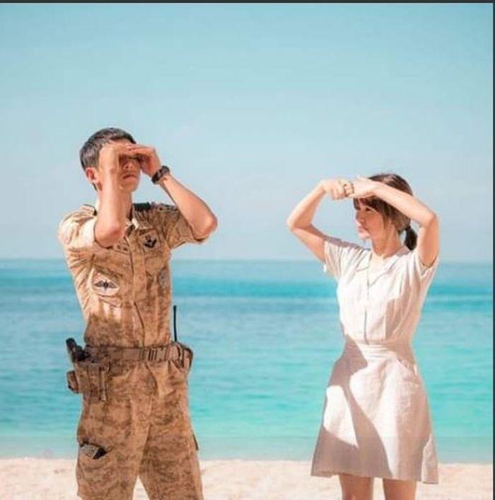 Penampilan Song Joong Ki dan Song Hye Kyo di drama Descendant of the Sun