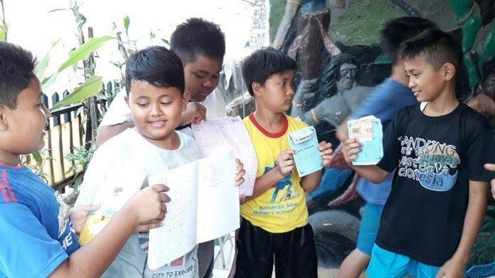 Tujuh bocah di Bogor patungan untuk beli sapi kurban