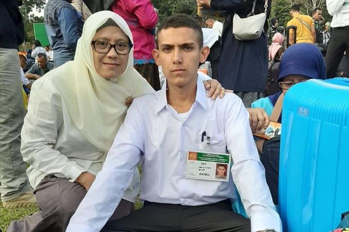 Enzo Zenz dan Ibunya