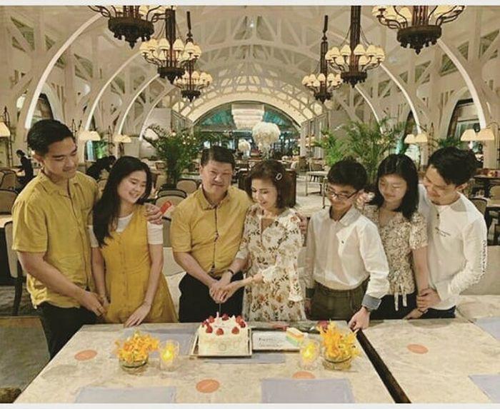 Kaesang Pangarep turut hadir dalam acara keluarga kekasihnya, Felicia Tissue